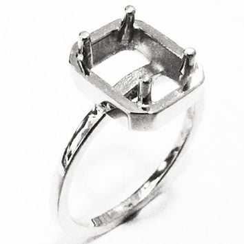 Ring Mounting Engagement Ring Solitaire Ring in Solid 18K White Gold for Emerald cut stone
