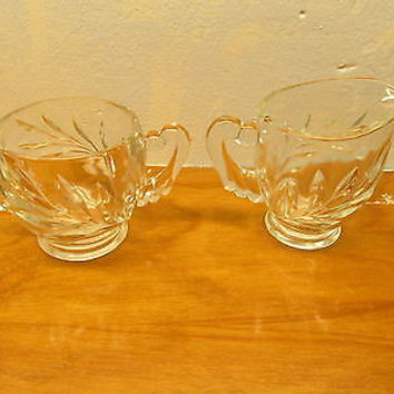 VINTAGE FENTON GLASS SUGAR AND CREAMER SET WITH LEAF PATTERN