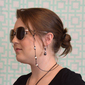 Pearls and Leather Eyeglass Chain Strap Freshwater // Sunglass Eyeglass Holder // Croakies // Glasses Sunglasses Holder // Beach Accessories