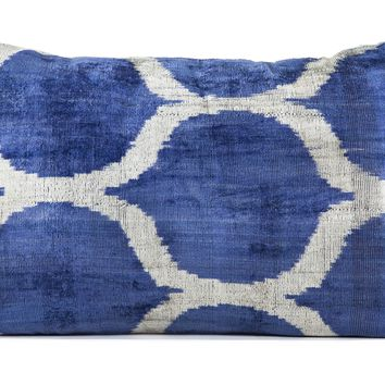 "16"" x 24"" Silk Velvet Ikat Pillow, Indigo Blue"