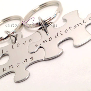 Love Knows No Distance Keychains, Couples Keychains, Stamped Keychains, Couples Gift, Personalized Keychains, FREE SHIPPING