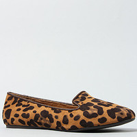 The Twitter V Shoe in Tan Leopard