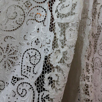 Antique Point de Venise Lace Tablecloth, Filet Lace & White Work, Pale Gray, Italian Banquet Tablecloth, 136 x 78, Weddings, Antique Linens