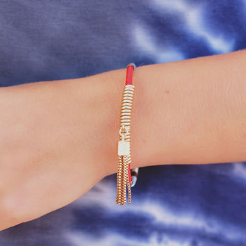 Fit the Bill Bracelet - Cardinal