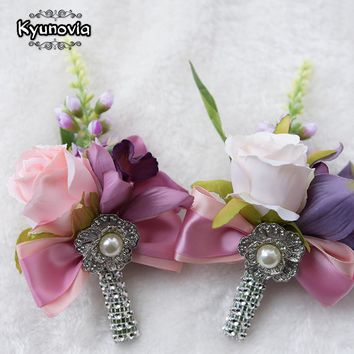 Kyunovia Wedding Prom Boutonniere Flower Brooch Groom Bridesmaid Groomsmen Wrist Flowers Hand Corsage Witness Boutonniere FE42
