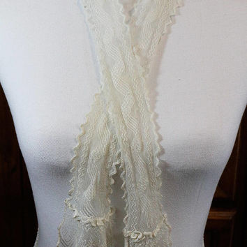 Sheer Lace Scarf or Tie, Ivory Net Mesh Tulle Lace, Geometric Art Deco, Long & Thin, Zig Zag Motif Bric a Brac, 1940s, Vintage Accessory