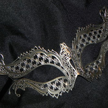 Metallic Lace Filigree Masquerade Mask