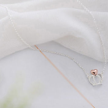 Cute crown with tiny top heart necklace in silver