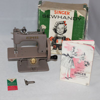 Vintage 1953 Singer Sewhandy Beige Crinkle Finish Model No. 20 Child's Sewing Machine in the Original Box