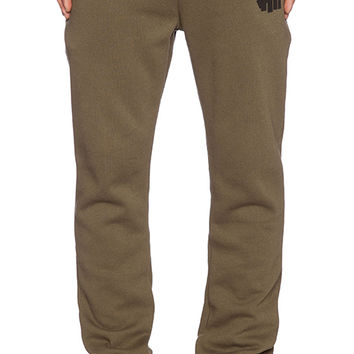 Undefeated 5 Strike Sweatpant in Olive