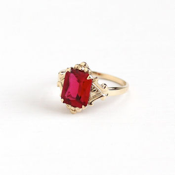 Vintage 10k Rosy Yellow Gold Created Ruby Ring - Retro 1950s Size 7 1/2 Red Synthetic Gem July Birthstone Fine Flower Floral Jewelry