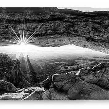 Supernatural West - Mesa Arch Sunburst In Black And White - Phone Case