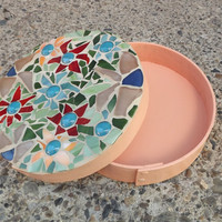 Round Mosaic Flower Keepsake Box, Stained Glass Box, Flower Trinket Box, Jewelry Box, Mosaic Hope Box, Treasure Box, Round Bentwood Box