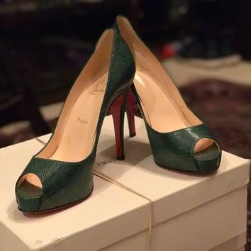 Christian Laboutin, Size 39 (US 9), Very Prive in green lizard