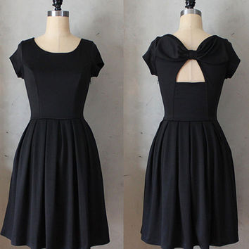 HOLLY GOLIGHTLY BLACK - lbd with pockets // pleated skirt // back cut out // bridesmaid dress // vintage inspired // day // party