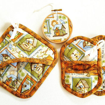 Country Cottage Kitchen accessories - Quilted Hot Pad - Mini pot holder - hostess gift box - Christmas gift box - Kitchen gift box