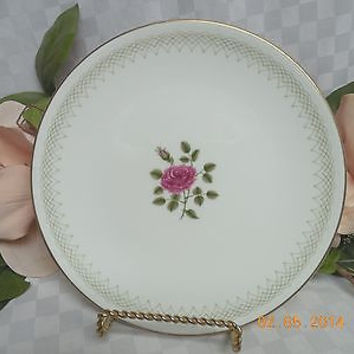 Royal Doulton, China  Dinnerware Sweetheart Rose, pattern #H4936  Salad  Plate