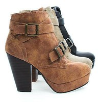 Huxley15 Stone By Bamboo, Almond Toe Strappy Buckle Platform Block Heel Ankle Bootie