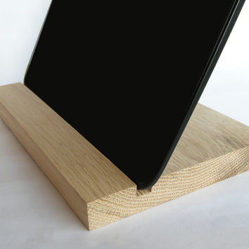 iPad stand. Wooden iPad Stand. Oak iPad Dock. iPad wood stand. iPad Wood Docking Station.