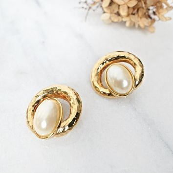 Vinntage 1980s Pearl + Bold Golden Earrings