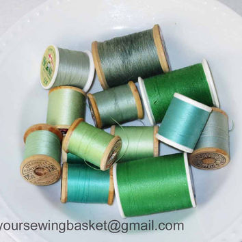Vintage Wooden Thread Spools green and kelly