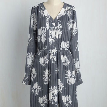 Archivist Apprentice Dress in Blooms