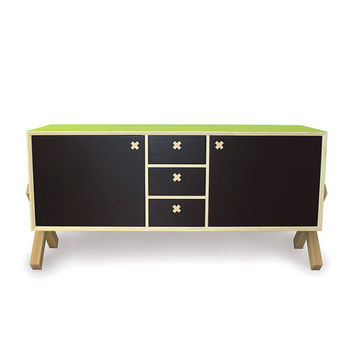 Skab: dresser, sideboard  - lacquered plywood and varnished solid ash wood - customized exterior color, chalkboard paint fronts