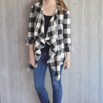 Side By Side Buffalo Plaid Cardigan: Ivory/Black
