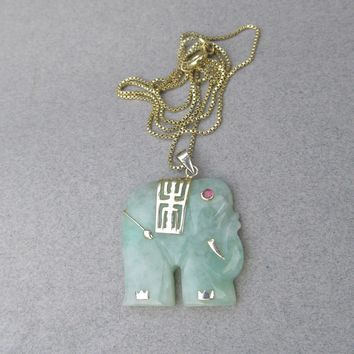 1960's Vintage Gold Plated Sterling Silver Vermeil Jade Elephant Pendant Necklace