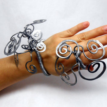 Big and crazy all handmade wire wrapped cuff and ring set - women - statement art jewelry - unique fashion design