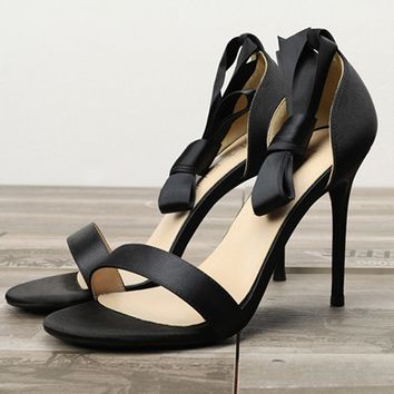 Fashionable hollow Satin sandals, round-headed, slim-heeled, open-toed sandals, bow-tied women's shoes Naked