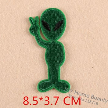 1 PCS Cartoon Cotton Aliens Clothes Embroidered Iron on Patches for Clothing DIY Stripes Motif Appliques parches bordados