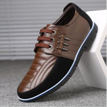 Genuine Leather Dagger Accented Men's Casual Shoes