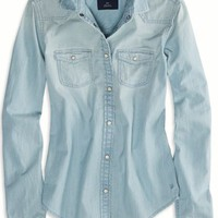 AEO 's Chambray Boyfriend Shirt (Light Wash)