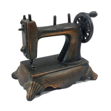 Miniature Sewing Machine, Vintage Dollhouse Furniture Sewing Crafts Room, Collectible Die Cast Metal Pencil Sharpener