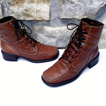 Vintage ITALIAN Cognac Brown Leather Lace Up Heeled Ankle Boots w/ Fur Lining - Womens 37 - UK 4 - US 6 - 6.5