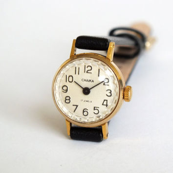 Tiny womens watch Chaika Seagull, delicate watch for women, vintage Soviet wristwatch, mechanical gold plated ladies watch 80s