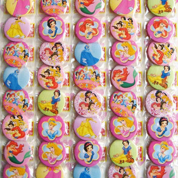 Disneys Princesses 4.3 CM 30 pieces/lot set PIN BADGES new Cartoon& animation PIN back BUTTONS PARTY BAG GIFT CLOTH