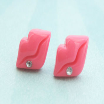 pink lips stud earrings