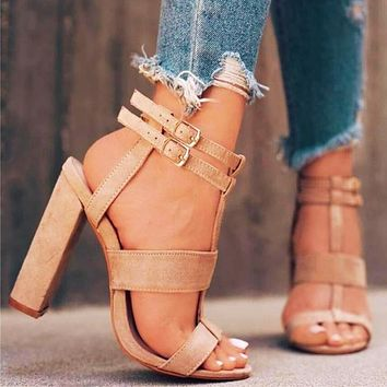 Stylish high-heeled women's shoes in large sizes with cut-out platform sandals with buckle strap Roman women's shoes