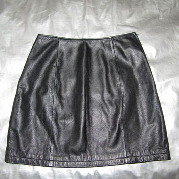 Black Leather Mini Skirt - Vintage 1990's - Wilson's Leather - Fits Approx. Size 2 4 XS SMALL
