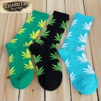 Harajuku Men's Maple Leaf Cotton Socks