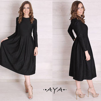 Gray grey black embroidered long sleeved midi knee-length feminine style inverted pleat dress