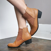 A Summer Bootie in Caramel