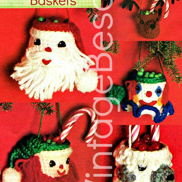 CROCHET CHRISTMAS PATTERNS 1970s Five Tiny Christmas Baskets for Holiday Season Tree Ornaments & Gift Wrapping Decorations Vintage Beso