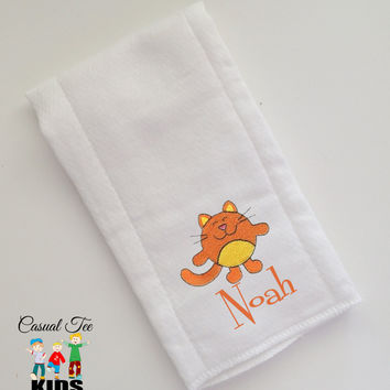 Baby Burp Cloth Embroidered with Cute Little Cat and Baby's Name Personalized Spit Up Cloth Custom Burp Cloth