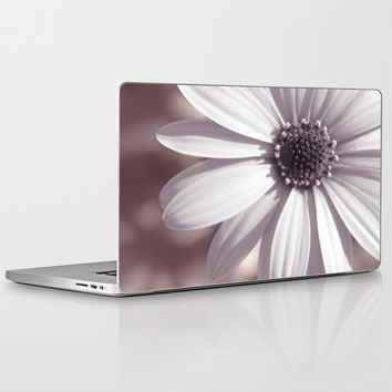 "Valentine's Day Gift HIGH QUALITY Laptop Skin for MacBook Air/ Pro/ Retina and PC Laptops 13"" 15"" 17"" - White Daisy - Floral Laptop Decal"