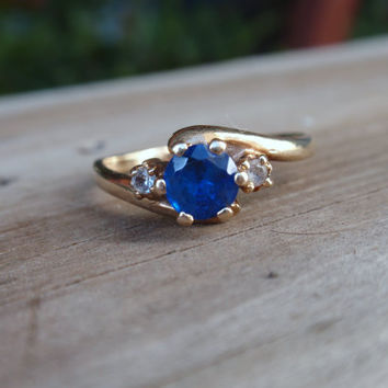 Blue Spinel 10k Ring Gold round cornflower blue white 3 stone crossover ladies