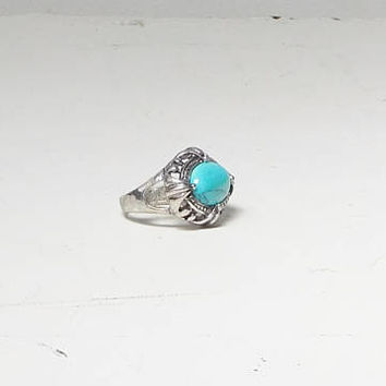 Turquoise Silver Ring Hippie Jewelry Vintage Size 7 1/2 Pronged Silver Tone Band Men Women Magnesite