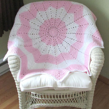 Baby Blanket, Pink, White, Circular, Baby Shower Gift, crochet, handmade, receiving blanket, FREE Shipping, baby gift, Heirloom blanket